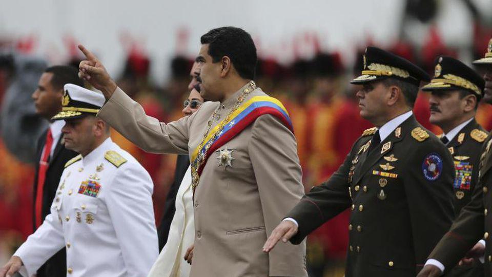 Noch genießt der venezolanische Präsident Nicolas Maduro den Rückhalt großer Teile des Militärs. Foto: Fernando Llano/AP