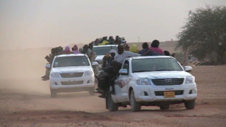 """""""Über die Toten in der Sahara redet keiner"""" - Flüchtlinge am Knotenpunkt im Niger"""