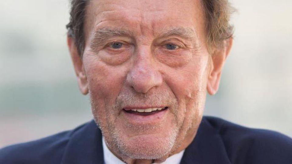 Helmut Jahn, weltbekannter Architekt aus Chicago mit deutschen Wurzeln, stirbt bei einem Fahrradunfall.