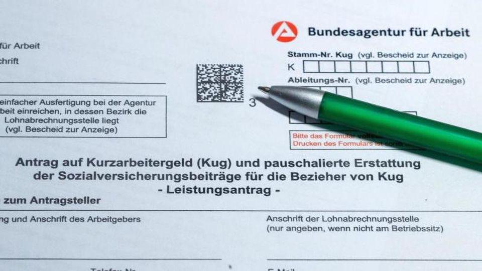 Ein Antragsformular für Kurzarbeitergeld. Foto: Jens Büttner/dpa-Zentralbild/dpa