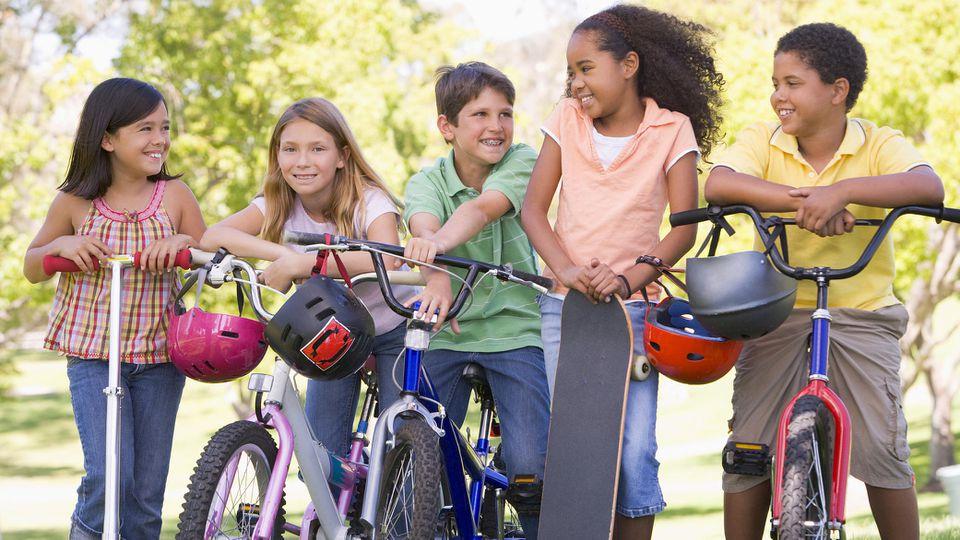 Fahrradhelme sollen nicht nur schützen, sondern auch gut aussehen.