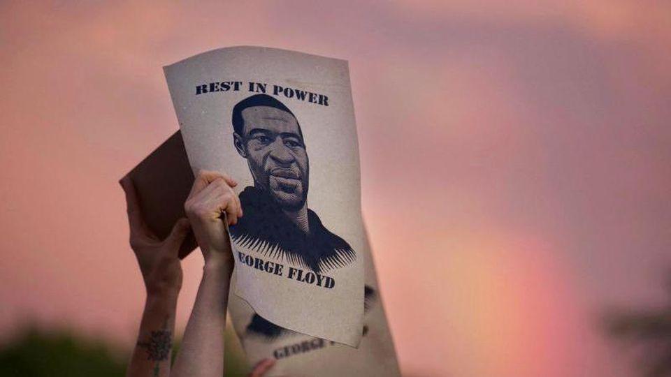 Der Prozess gegen den Ex-Polizisten ein Jahr nach der Tötung des Afroamerikaners George Floyd beginnt. Foto: Christine T. Nguyen/Minnesota Public Radio/AP/dpa