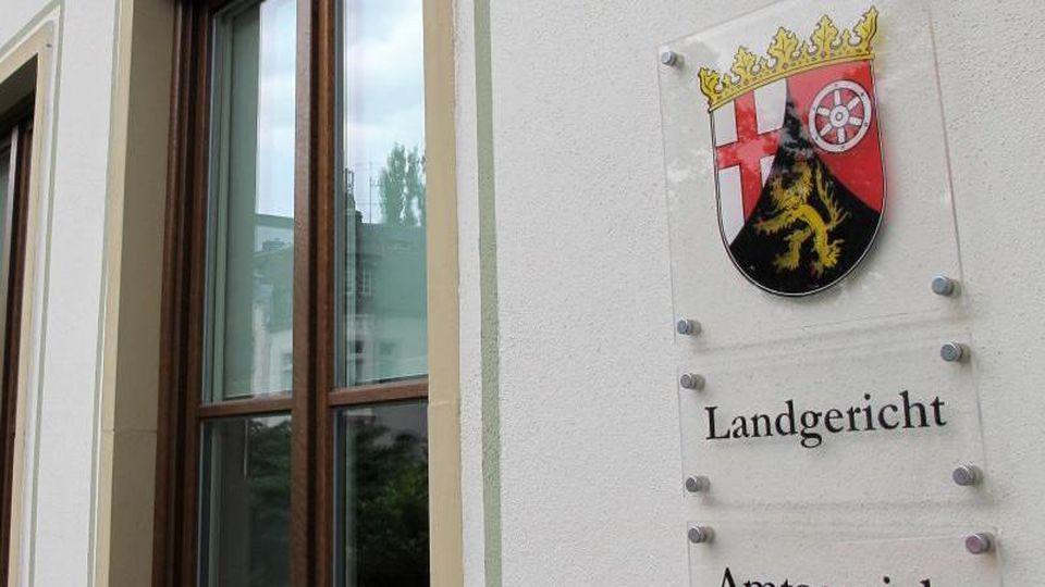 Der Eingang des Landgerichts von Trier. Foto: Birgit Reichert/Archiv