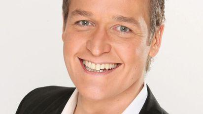 Bernd Fuchs Wird Von Seiner Katze Geweckt