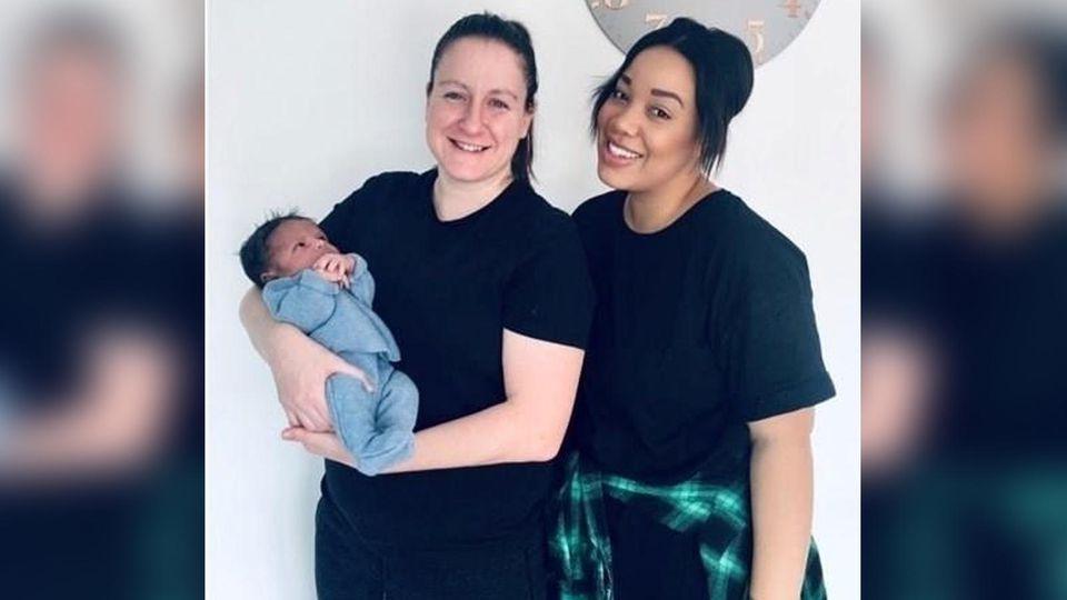 Jasmine und Donna sind überglücklich - am 30. September wurde ihr gemeinsamer Sohn geboren.
