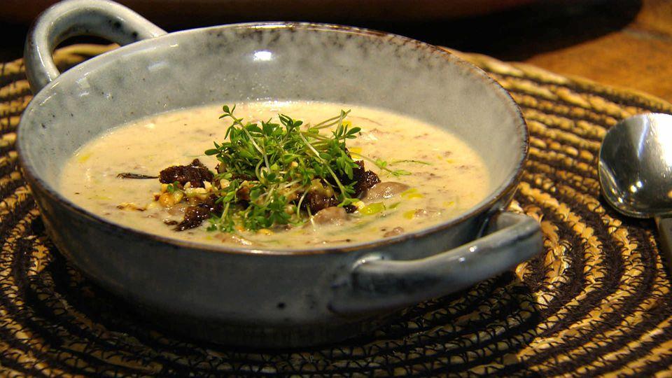 Feierabend, wie das duftet!: Käse-Lauch-Suppe mit Hack
