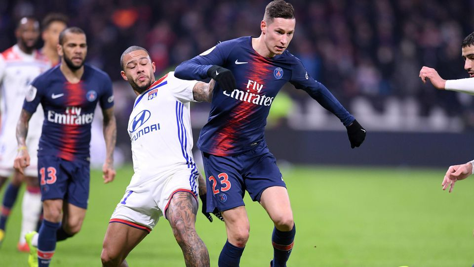 Sport Bilder des Tages 11 MEMPHIS DEPAY (OL) - 23 JULIAN DRAXLER (PSG) FOOTBALL : Lyon vs Paris SG - Ligue 1 Conforama - 03/02/2019 FEP/Panoramic PUBLICATIONxNOTxINxFRAxITAxBEL