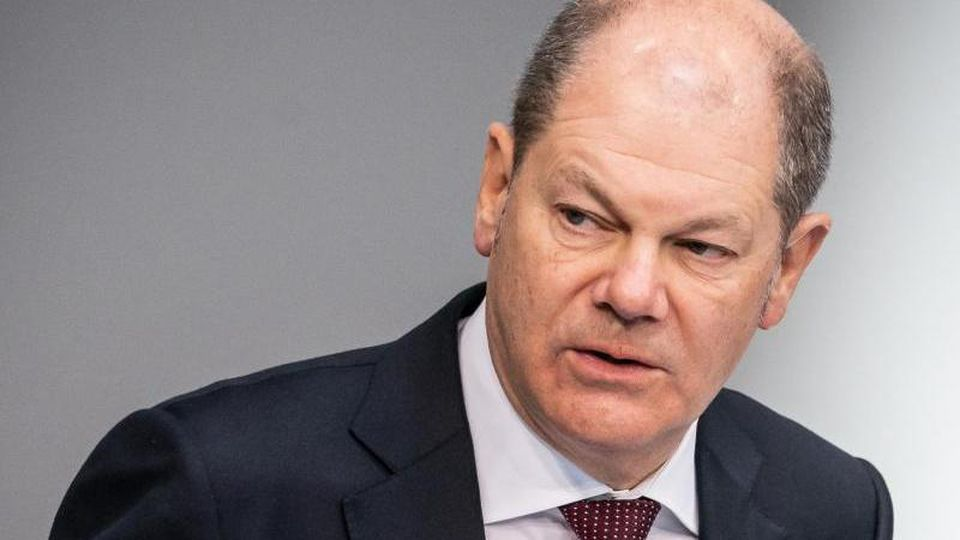 Bonuszahlungen in der Corona-Krise sollen laut Finanzminister Olaf Scholz (SPD) bis 1500 Euro steuerfrei ausgezahlt werden können. Foto: Michael Kappeler/dpa