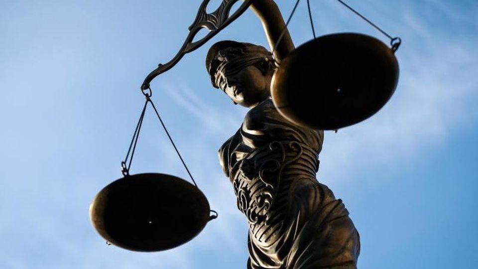 Nach brutalen Überfällen auf Schwangere: Vor dem Amtsgericht in Hamburg St. Georg startet heute der Prozess  Foto: picture alliance / David Ebener/dpa/Symbolbild