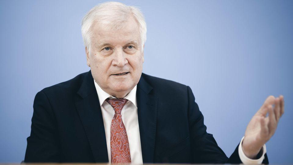 Bundesinnenminister Horst Seehofer (CSU) im Rahmen der Bundespressekonferenz in Berlin, 27.05.2020 Berlin Deutschland **