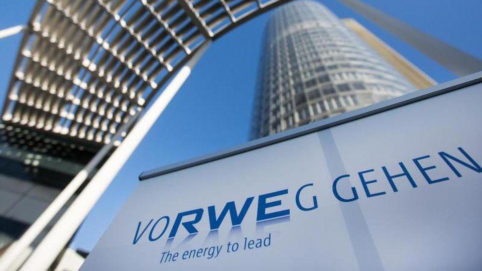 Zentrale des Energiekonzerns RWE:Den Umbau zu einem führenden Ökostromerzeuger kann RWE mit steigenden Gewinnen vorantreiben. Foto: Marcel Kusch/dpa/Archivbild