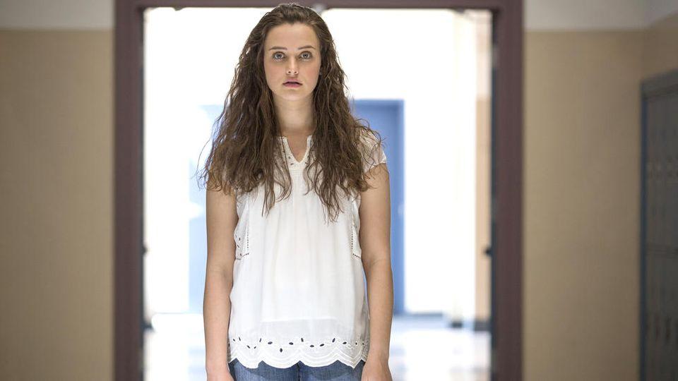 """Hannah Baker (Katherine Langford) nimmt sich in """"Tote Mädchen lügen nicht"""" das Leben"""