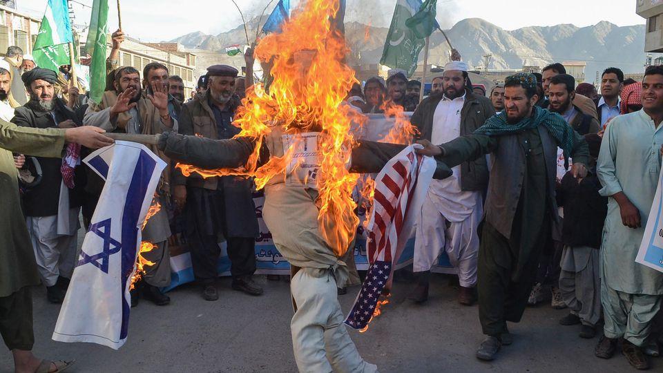 Proteste gegen US-Präsident Trump in Pakistan