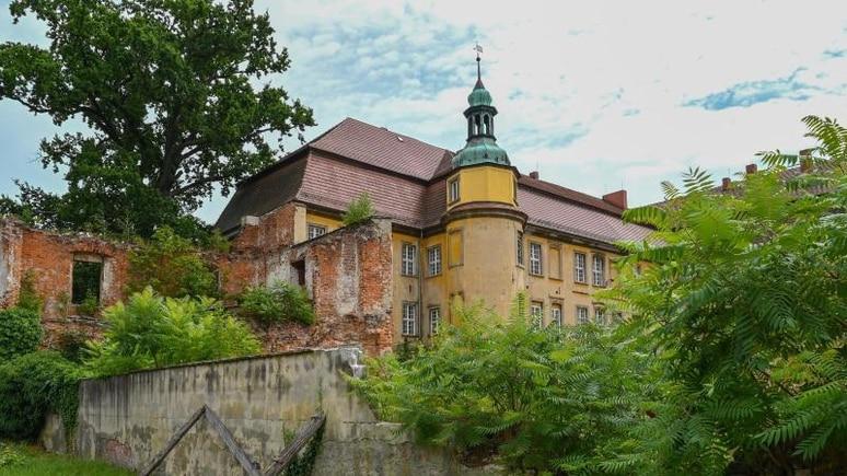 Blick auf das Schloss Lieberose. Foto: Patrick Pleul/dpa-Zentralbild/dpa