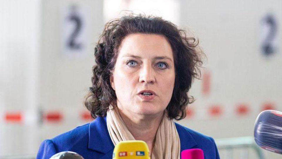 Carola Reimann, die Ministerin für Soziales, Gesundheit und Gleichstellung in Niedersachsen. Foto: Moritz Frankenberg/dpa/Archivbild