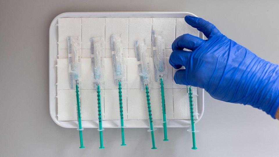In Ennepetal ist ein Mann kurz nach seiner Corona-Impfung gestorben