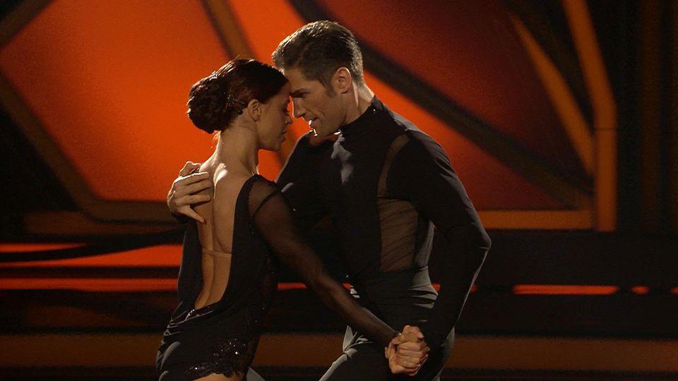 Vanessa Mai zeigt einen sexy Tango.