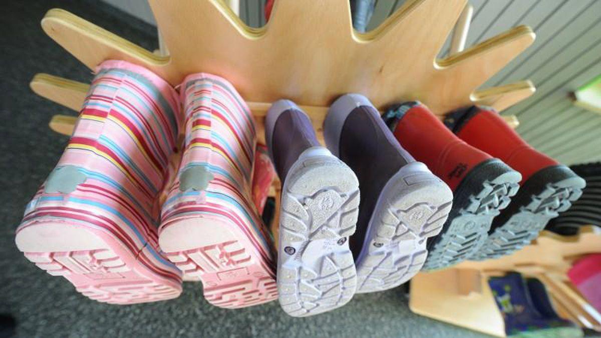 Kinder Schuhe: Jedes 5. Kind trägt die falsche Größe mit
