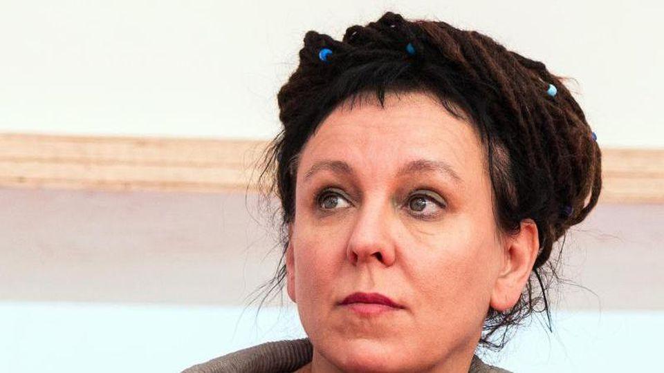 Literaturnobelpreisträgerin Olga Tokarczuk in Frankfurt auf der Buchmesse. Foto: Andreas Arnold/dpa