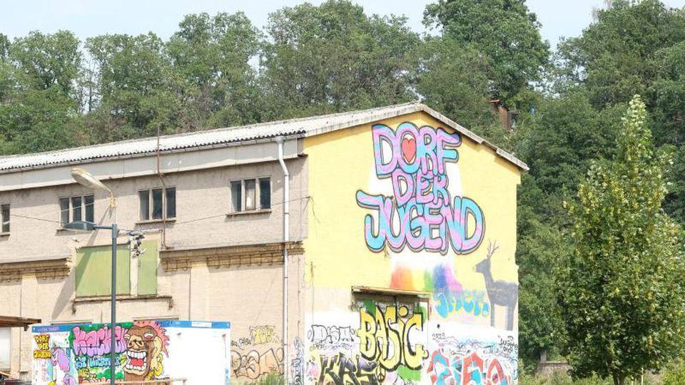 "Der Jugendtreff ""Dorf der Jugend"". Foto: Sebastian Willnow/zb/dpa/Archivbild"