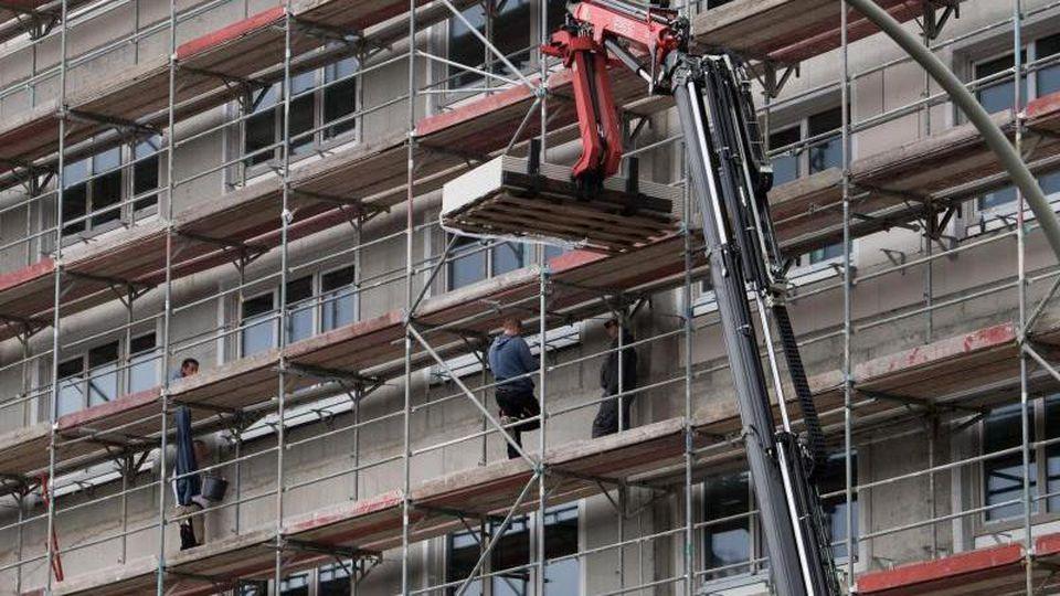 Beim sozialen Wohnungsbau kommt die Politik bislang deutlich langsamer voran als beim Bau gewöhnlichenWohnraums. Foto: Bernd von Jutrczenka