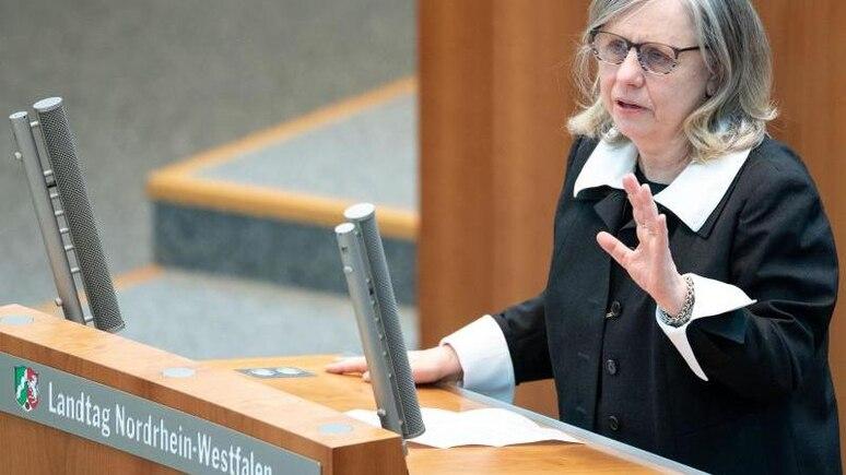 Barbara Dauner-Lieb spricht im Landtag. Foto: Marius Becker/dpa/Archivbild