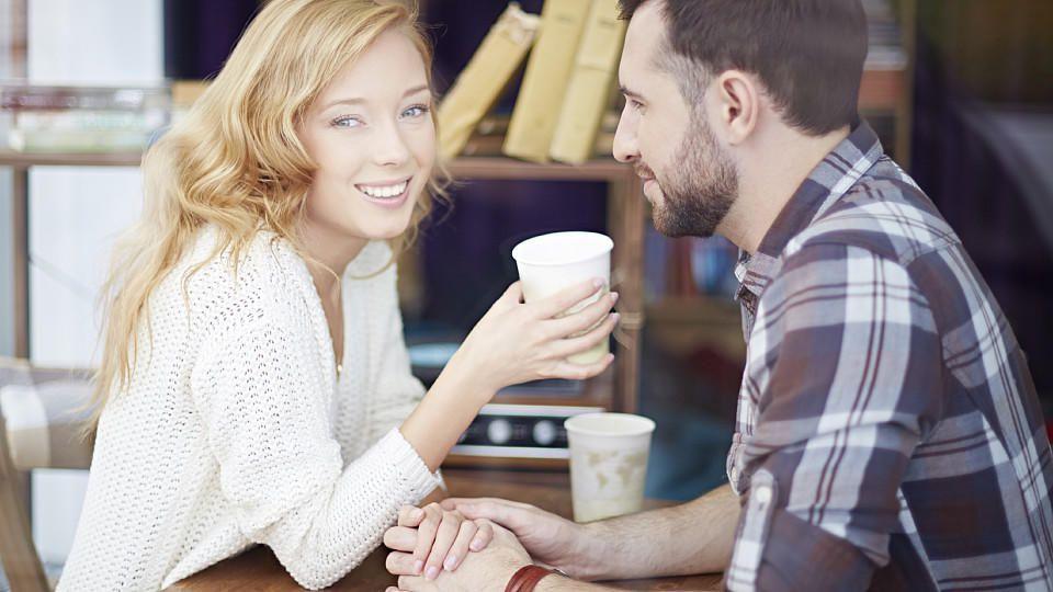 Verhalten der frau beim flirten
