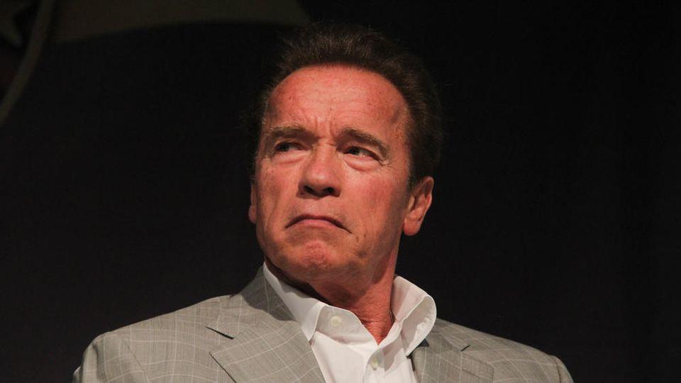 Musste sich nach der Attacke nur kurz schütteln: Arnold Schwarzenegger