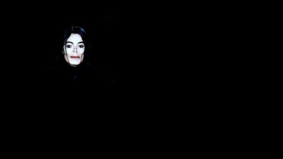"""Videoinstallation von Michael Jackson in der Ausstellung """"ON THE WALL"""" in der Bundeskunsthalle in Bonn"""