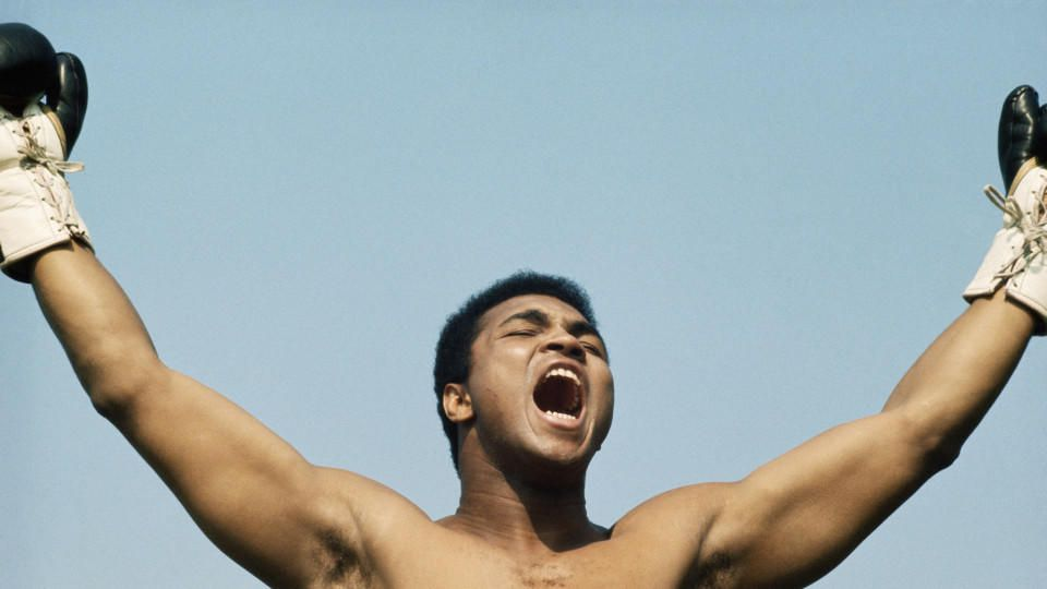 1972:  Muhammad Ali during training for his fight with Al 'Blue' Lewis held in Dublin, Republic of Ireland in 1972. (Photo by Getty Images)