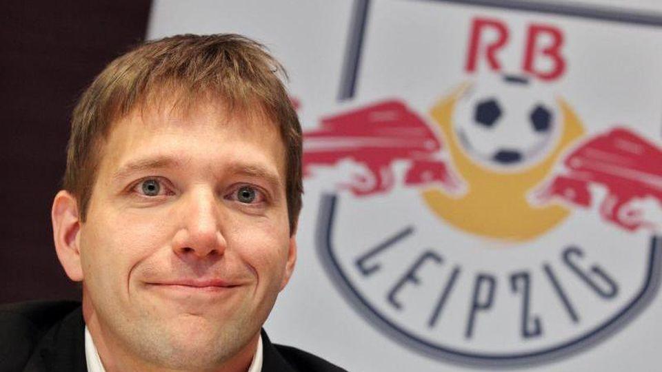Dieter Gudel, Geschäftsführer des Fußball-Regionalligisten RB Leipzig, in einer Pressekonferenz in Leipzig. Foto: Jan Woitas/Archiv