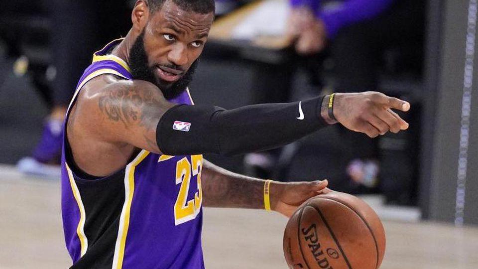 Peilt mit den Los Angeles Lakers die Meisterschaft in der NBA an. Foto: Mark J. Terrill/AP/dpa