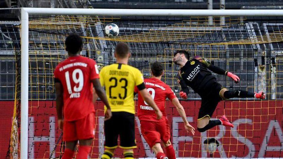Ein Treffer von Nationalspieler Joshua Kimmich (nicht im Bild) sorgte für den Bayern-Sieg beim Spitzenspiel in Dortmund. Foto: Federico Gambarini/dpa-Pool/dpa