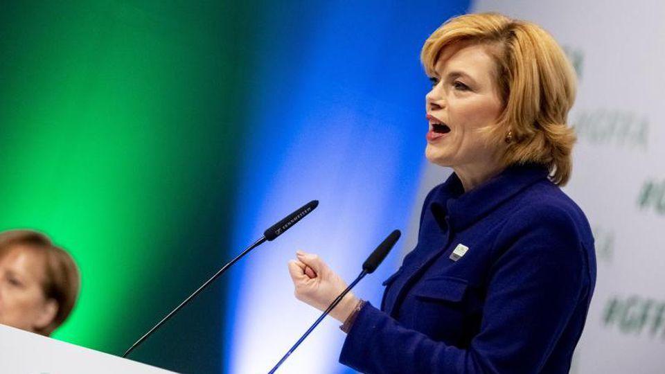 Angela Merkel und Julia Klöckner auf der Internationalen Grünen Woche 2019. Foto: Christoph Soeder