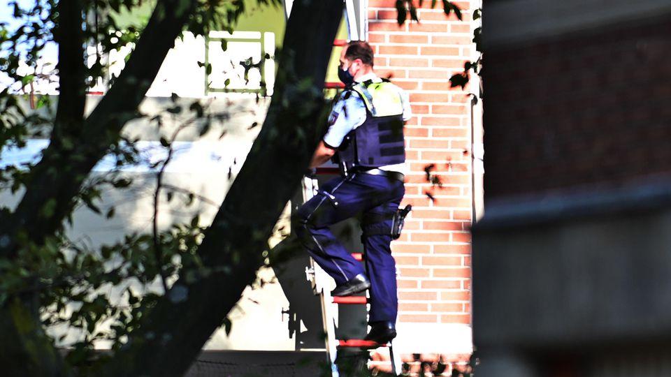 Frau in Krefeld schwer misshandelt