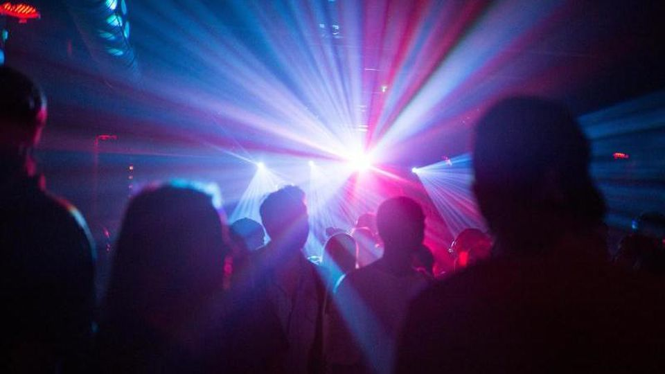 Party im Club Cassiopeia in Berlin. Foto: Sophia Kembowski