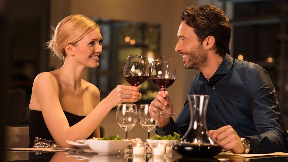 30 Prozent der Frauen sind laut einer Studie schon zu Dates gegangen, nur um ein kostenloses Abendessen zu bekommen.