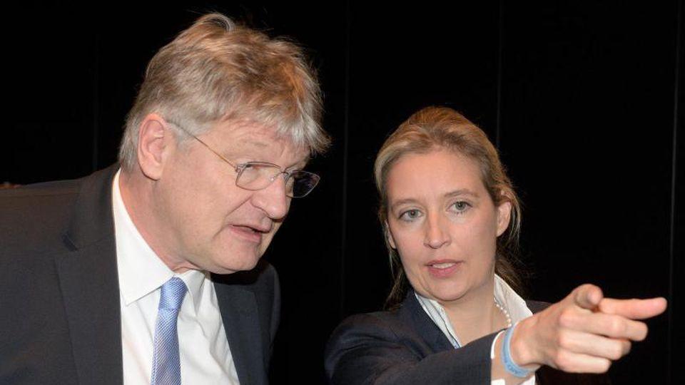 Die AfD- Bundestagsfraktionsvorsitzende Alice Weidel steht neben dem Bundesvorsitzenden Jörg Meuthen. Foto: Stefan Puchner