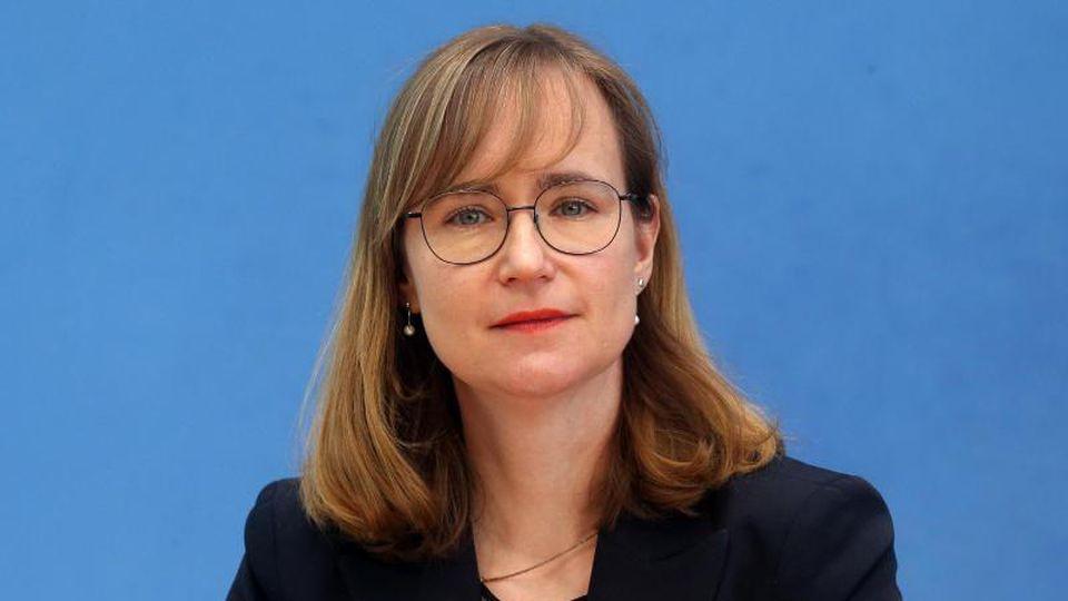 Eva von Angern, Linke-Fraktionsvorsitzende in Sachsen-Anhalt. Foto: Wolfgang Kumm/dpa/Archivbild
