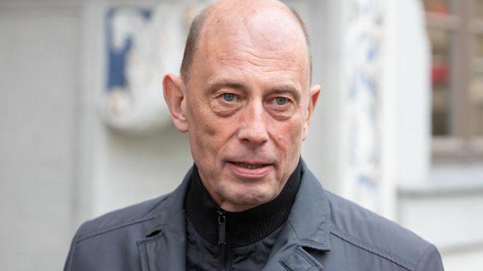 Wolfgang Tiefensee (SPD), Thüringens Wirtschafts- und Wissenschaftsminister. Foto: Michael Reichel/dpa/Archiv