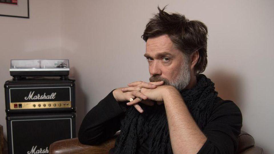 Der Musiker Rufus Wainwright - alles zurück auf Pop. Foto: Jörg Carstensen/dpa