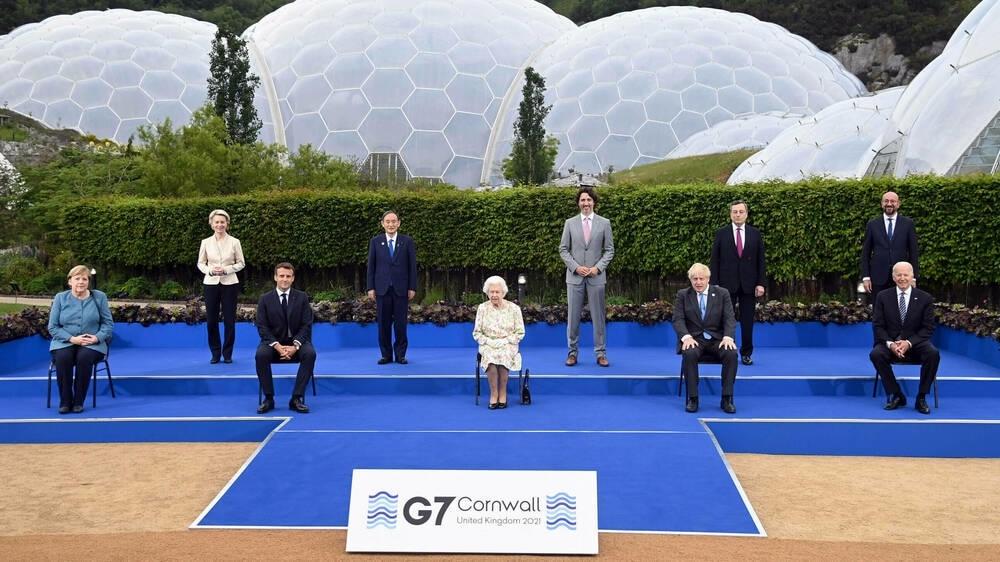 Die G7-Staatschefs beim Treffen mit Queen Elizabeth II.