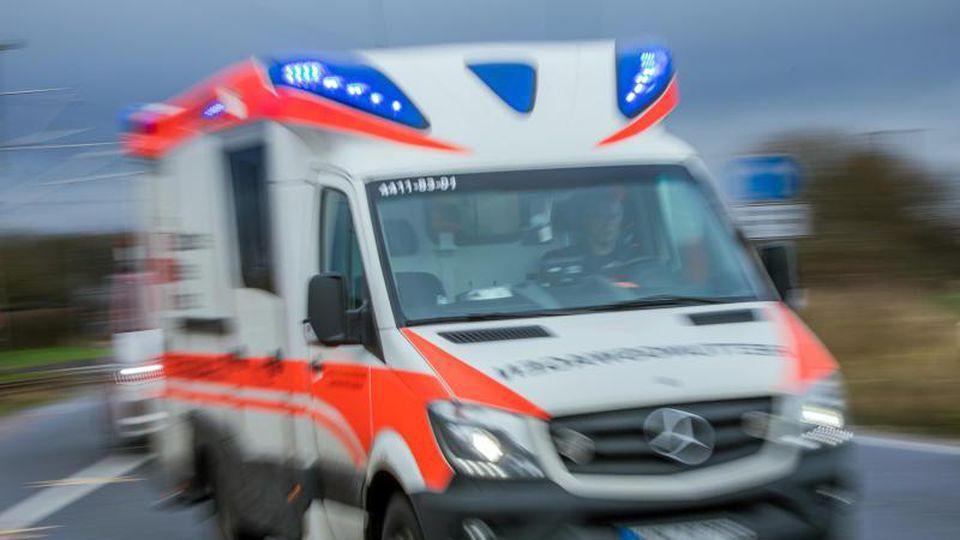 Zwei Männer bei Arbeitsunfällen schwer verletzt. Foto: Jens Büttner/Archivbild