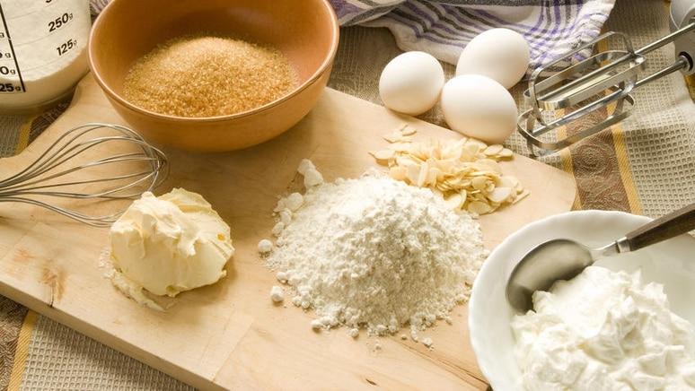 Viele Grundnahrungsmittel lassen sich auch ohne Waage verlässlich abwiegen.
