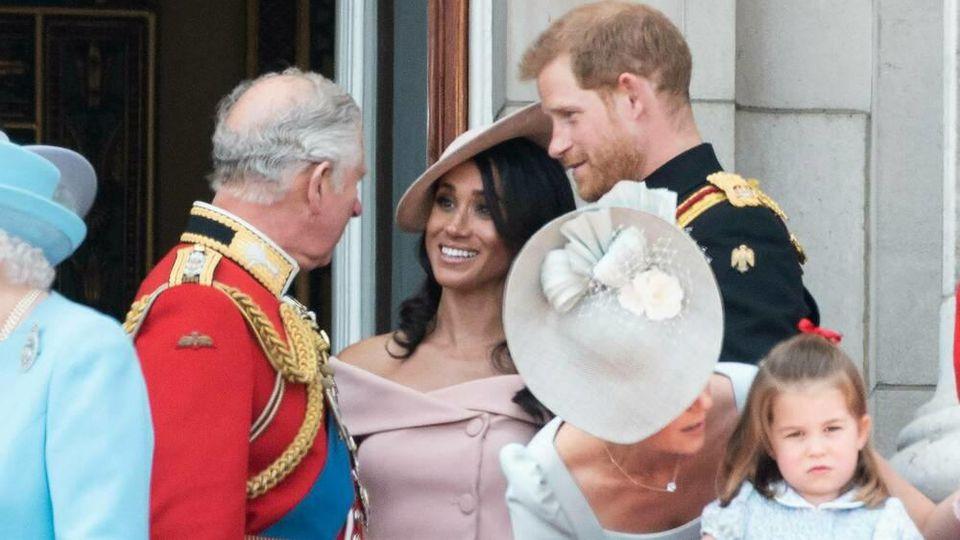 Prinz Charles greift seinem jüngeren Sohn finanziell unter die Arme.