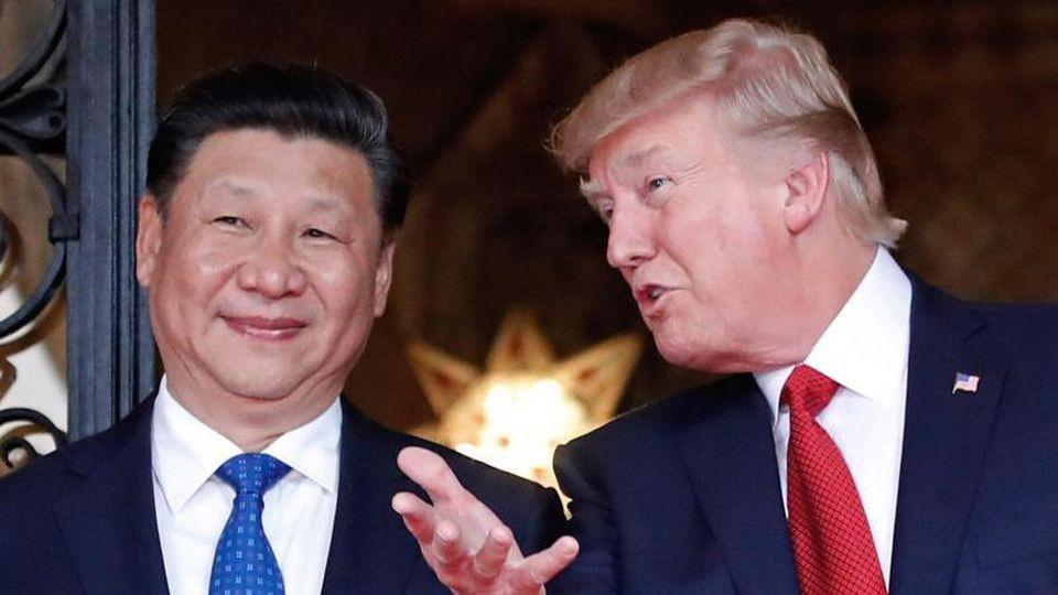 US-Präsident Donald Trump empfängt in seinem privaten Anwesen den chinesischen Präsidenten Xi Jinping. Foto: Alex Brandon/AP/dpa