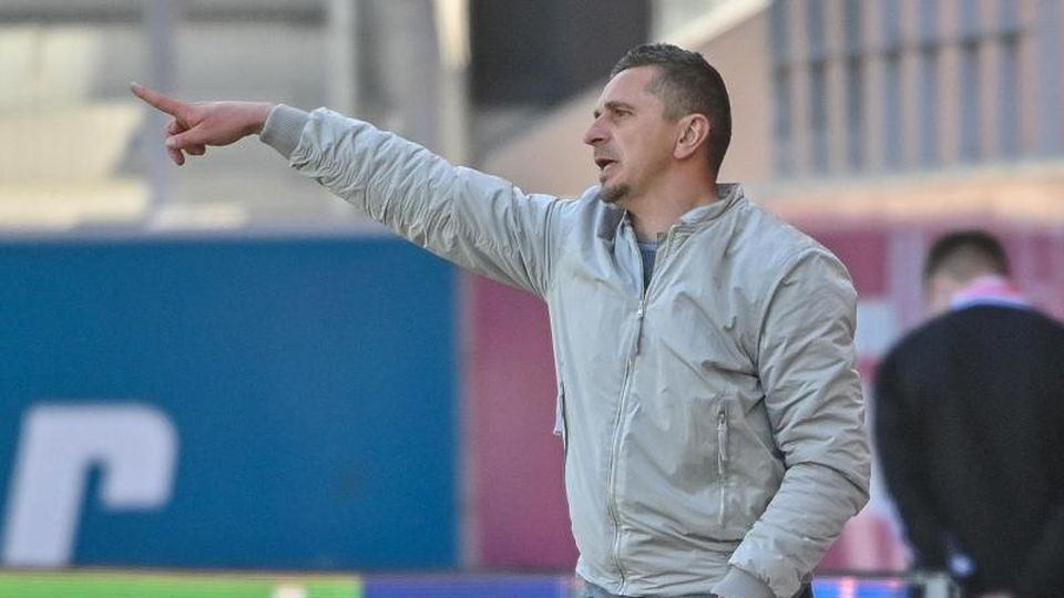Trainer Mersad Selimbegovic. Foto: Armin Weigel/dpa/Archivbild
