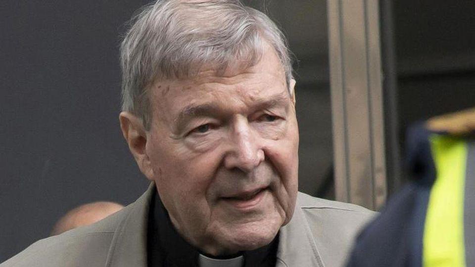 Das oberste australische Gericht will sich nun doch mit dem Einspruch des wegen sexuellen Missbrauchs Minderjähriger verurteilten Kardinals George Pell befassen. Foto: Andy Brownbill/AP/dpa