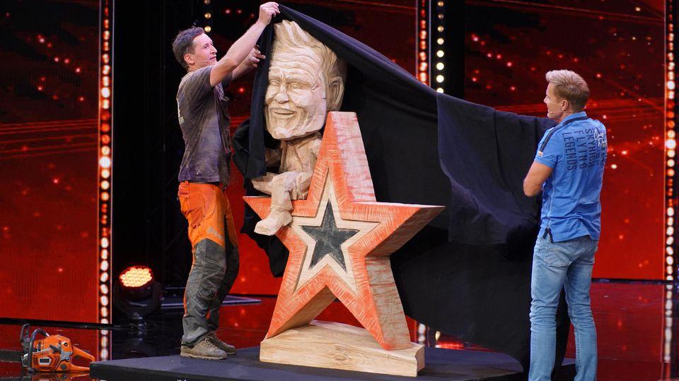 Supertalent-Kandidat Florian enthüllt sein Meisterwerk - und der Poptitan ist begeistert.