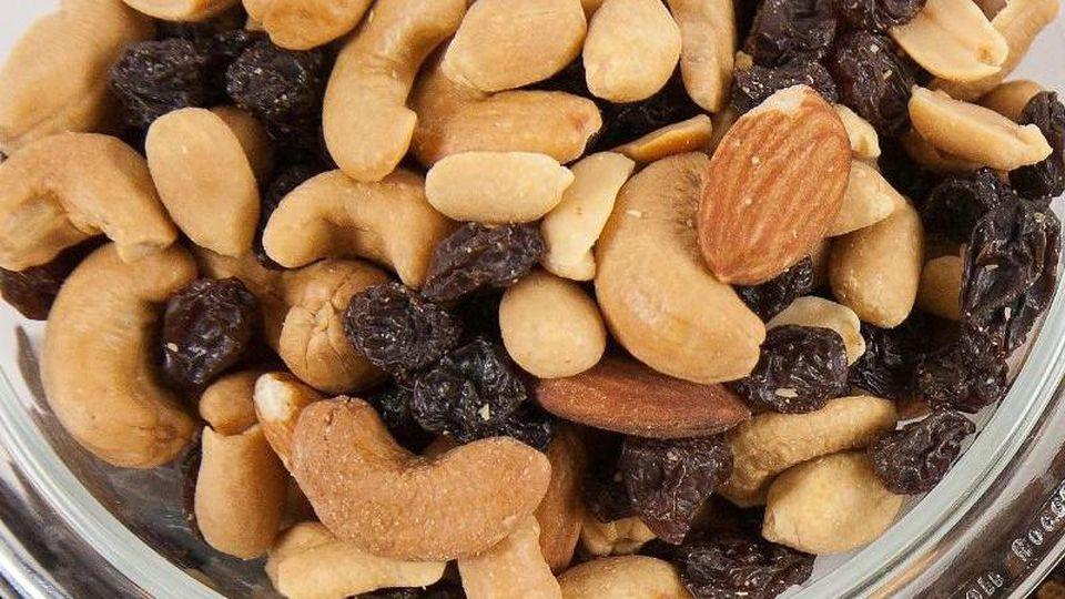 Der Hersteller Clasen hat Mandelkerne zurückgerufen, die in beliebten Snacks enthalten sind.